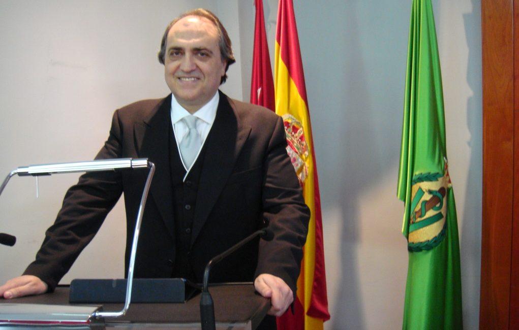 Ingresos en la RACVE: El Dr. Luis Alberto Calvo Sáez ingresa en la RACVE