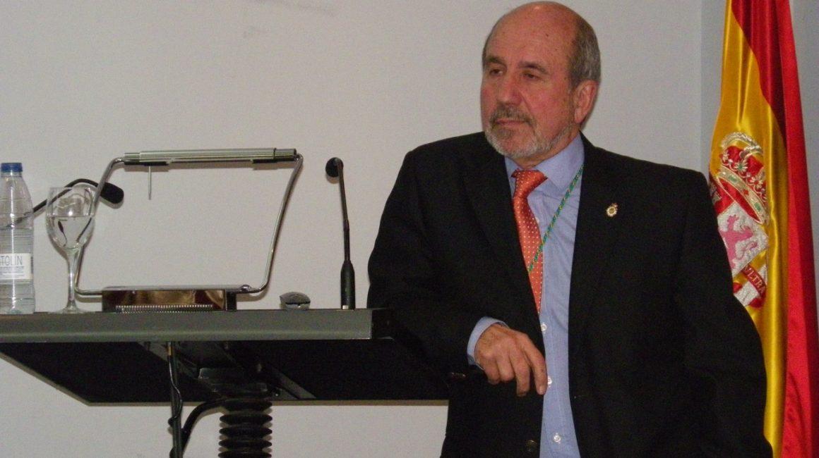 El Dr. Mariano Esteban Rodríguez, presidente de la Real Academia Nacional de Farmacia, interviene en la Real Academia de Ciencias Veterinarias de España
