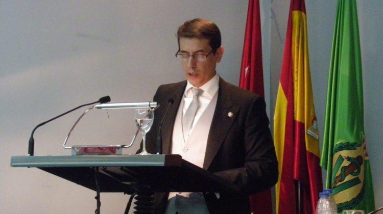 El Dr. Andrés Escudero Población Académico Correspondiente de la RACVE