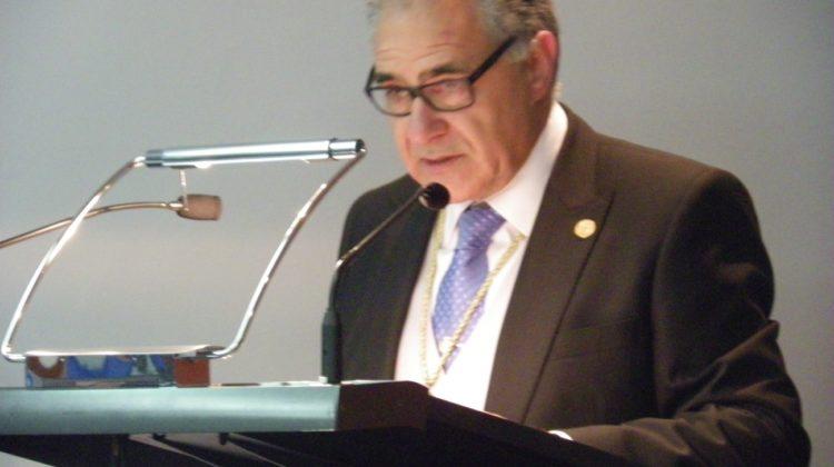 El Dr. Francisco Dehesa Santisteban ingresa en la Real Academia de Ciencias Veterinarias de España como Académico de Número