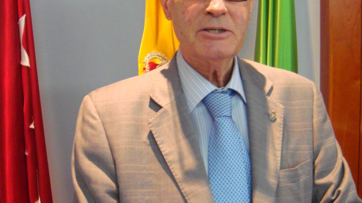 """El Dr. José Manuel Pérez García distinguido con la """"Medalla Quirón Española"""""""