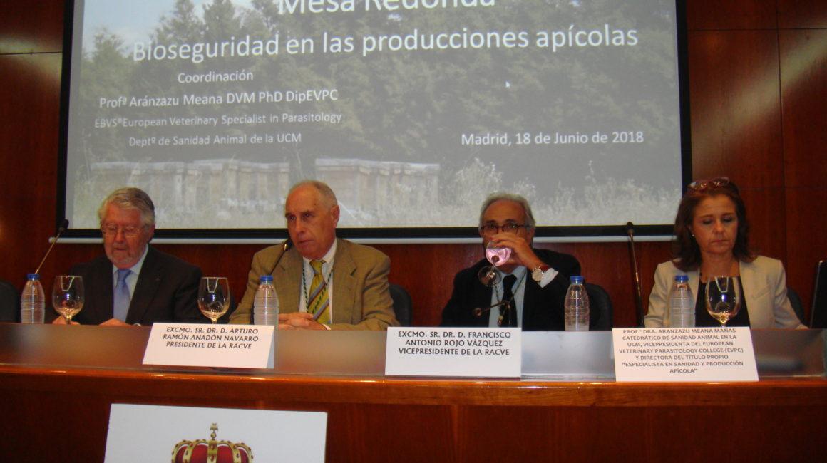 """Mesa Redonda sobre: """"Bioseguridad en las producciones apícolas"""""""