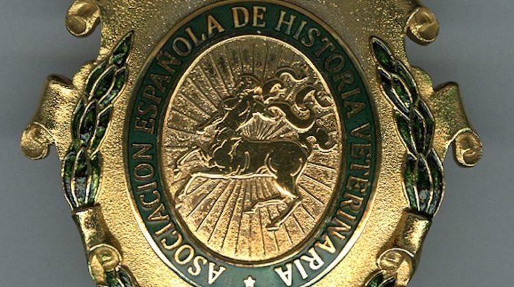 """El Dr. Moreno Fernández-Caparrós distinguido con la """"Medalla Quirón Española"""""""