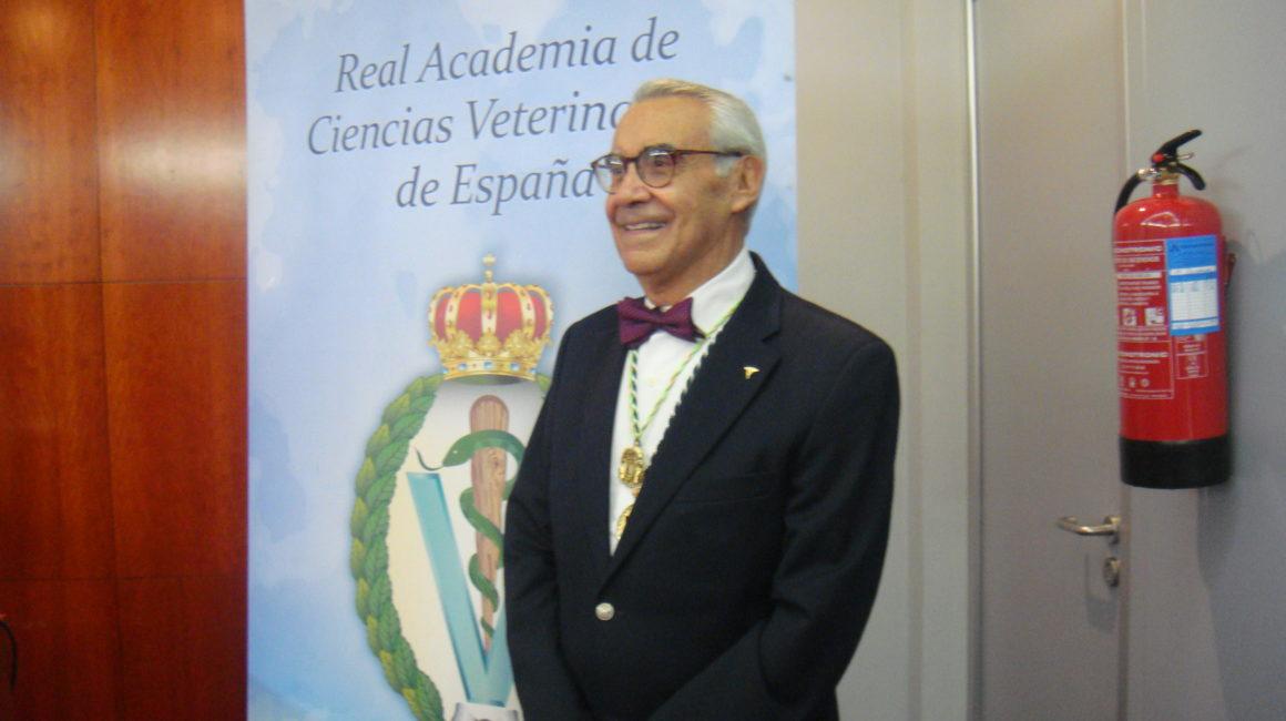 El Dr. Márquez Ruiz, Académico Correspondiente extranjero de México interviene en la RACVE