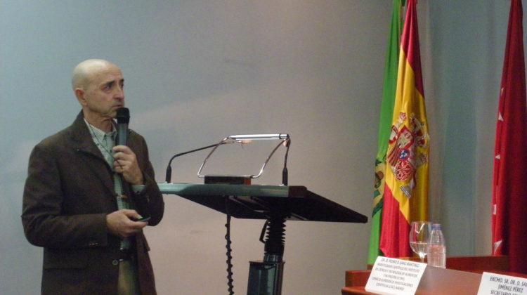 El Dr. Pedro Sanz Martínez interviene en la Real academia de Ciencias Veterinarias de España