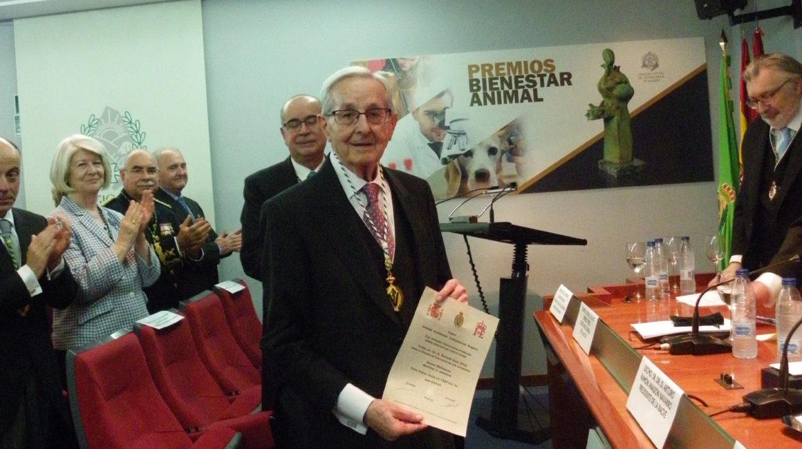 Publicado el vídeo del nombramiento del Prof. Dr. D. Bernabé Sanz Pérez como Académico de Honor de la RACVE