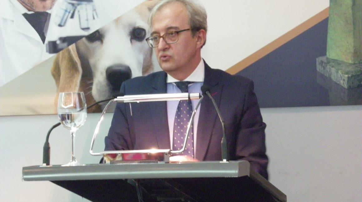 Dr. D. Francisco Miguel Sánchez Margallo, Director Científico del Centro de Cirugía de Mínima Invasión, interviene en la Real Academia de Ciencias Veterinarias de España