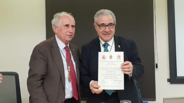 El Excmo. Sr. Dr. D. Francisco Luis Dehesa Santisteban, Académico de Número, pronuncia una conferencia en la sede de la Real Academia de Ciencias Veterinarias de España