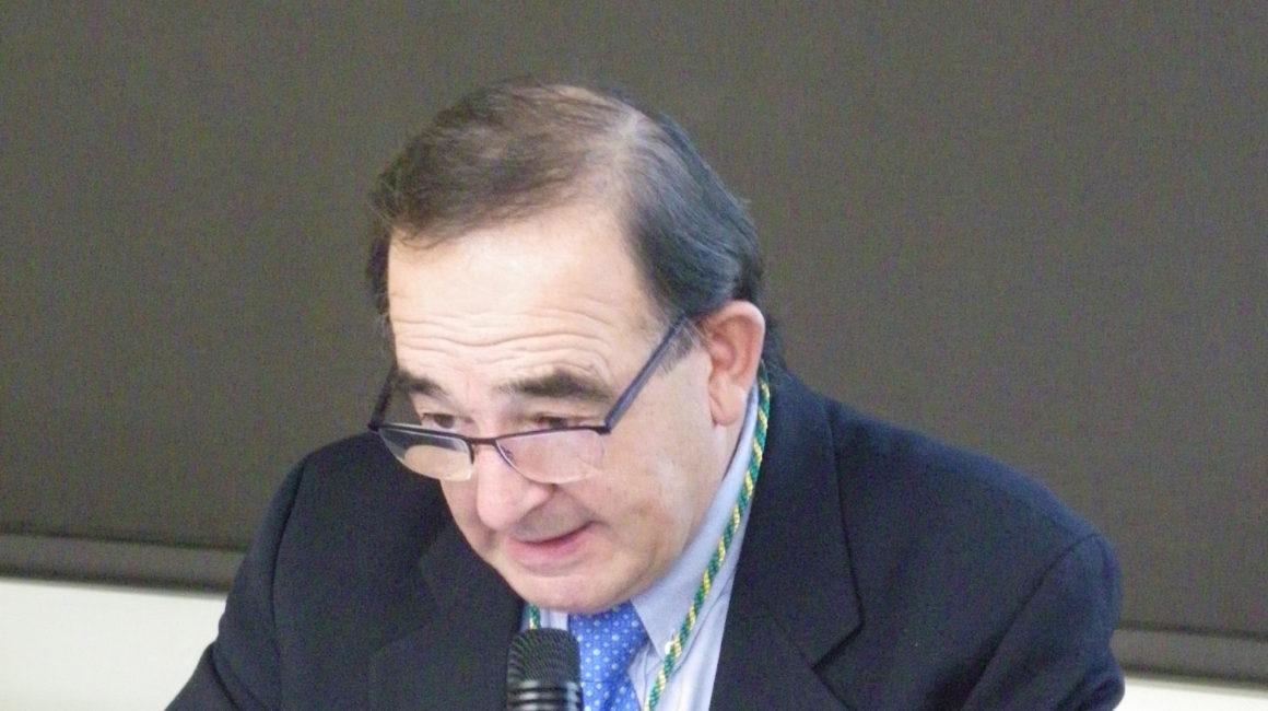 El Dr. José Manuel Etxaniz Makazaga, Académico de Número de la RACVE, publica en la prensa un interesante artículo sobre la especialización veterinaria dentro del Sistema Nacional de Salud
