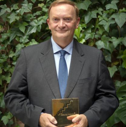 Gonzalo Giner gana el Premio de Novela Fernando Lara 2020