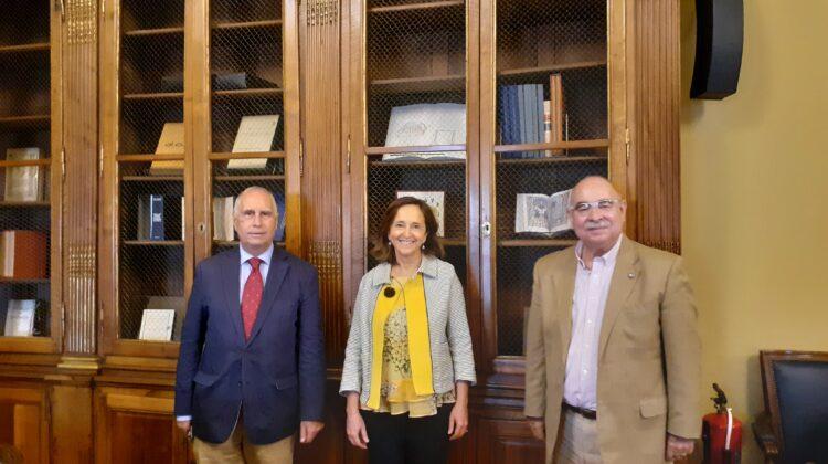 La Real Academia de Ciencias Veterinarias de España se entrevista con la directora de la Biblioteca Nacional de España